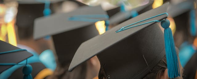 ​Access or Prestige: Can Colleges Do Both by US News?