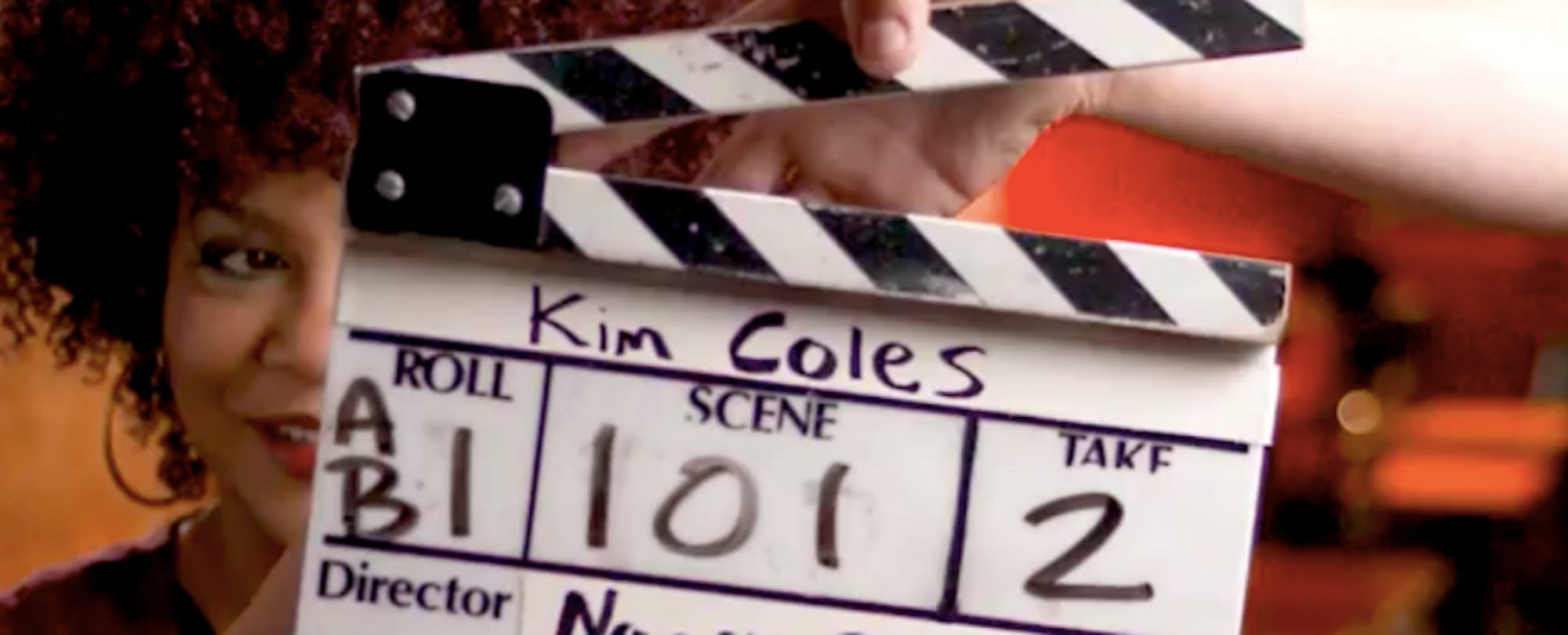How Much Hollywood Glitz Should Colleges Use in Their Online Courses?