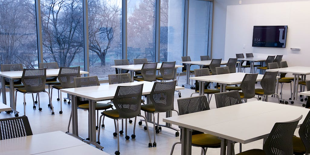 Learning Spaces and Environments - Effective Classroom Design - cover