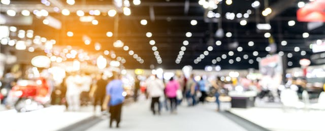 How to Navigate a Jobs Fair [EdSurge Tips]