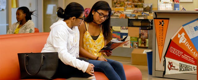 Storefront Advising Programs Bring Free College Counseling Into Low-Income Communities