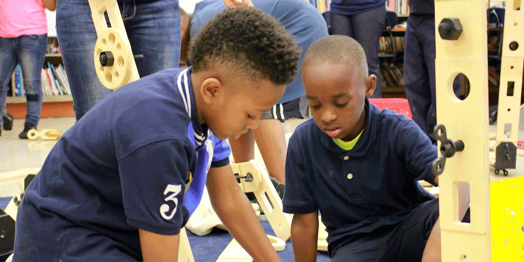 How This Teacher Harnesses Student Curiosity with Hands-On Learning Experiences