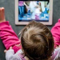 Increased Screen Time May Indicate Family Stress, Pandemic Study Suggests