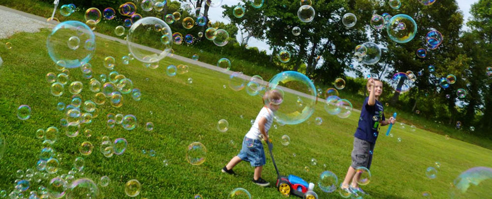 Is the Edtech Bubble Bursting? EdSurge Podcast, Week of Mar 30 - Apr 3
