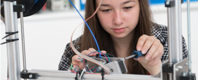 Getting Girls into STEM: The Power of Blended (and All-Female) Instruction